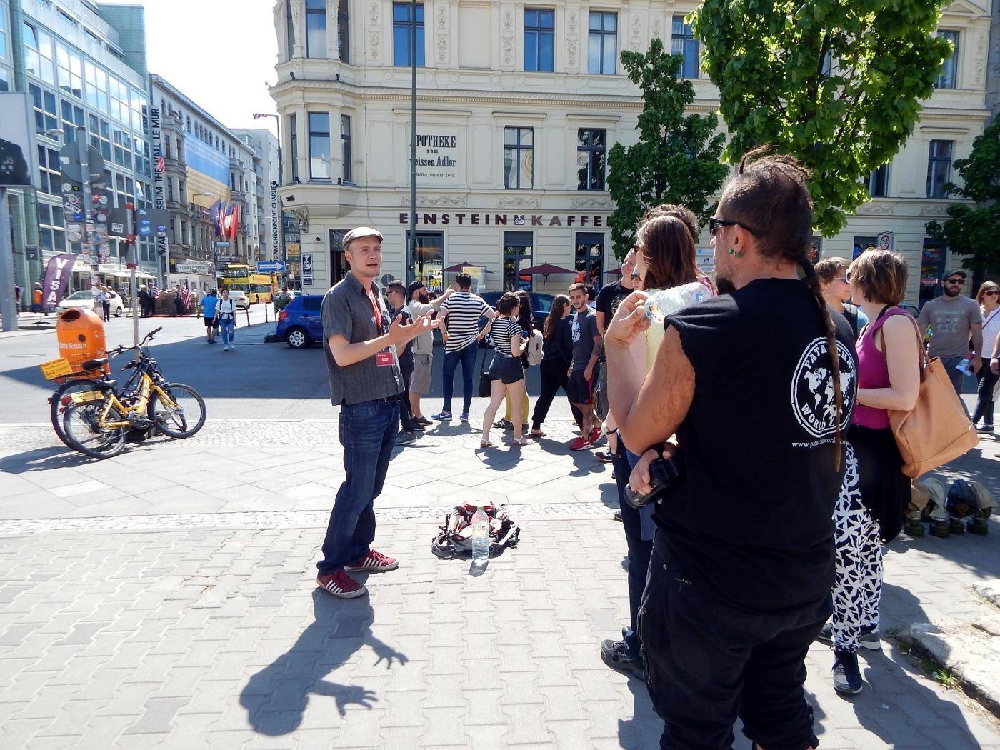 Berlin günstig erkunden: Sandemans free tour