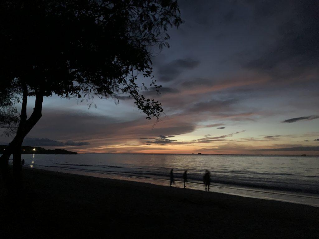 Patascha Reiseblog Roadtrip Costa Rica Rundreise Reiseroute Dachzelt Nomad America mieten Autovermietung offroad Camping wild campen Sehenswürdigkeiten Informationen Öffnungszeiten Nationalpark Vulkan Sonnenuntergang Tamarindo
