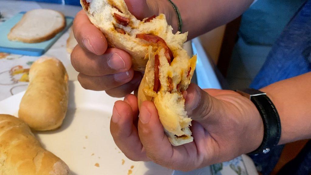 Leckere Portugiesische Chorizo Brötchen oder Pão com Chouriço wie sie in Portugal genannt werden. Dieses Rezept funktioniert auch perfekt im Omnia!
